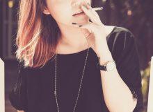 rokende jongedame
